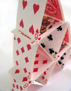 El truco de magia infantil de la carta que viaja a la zapatilla